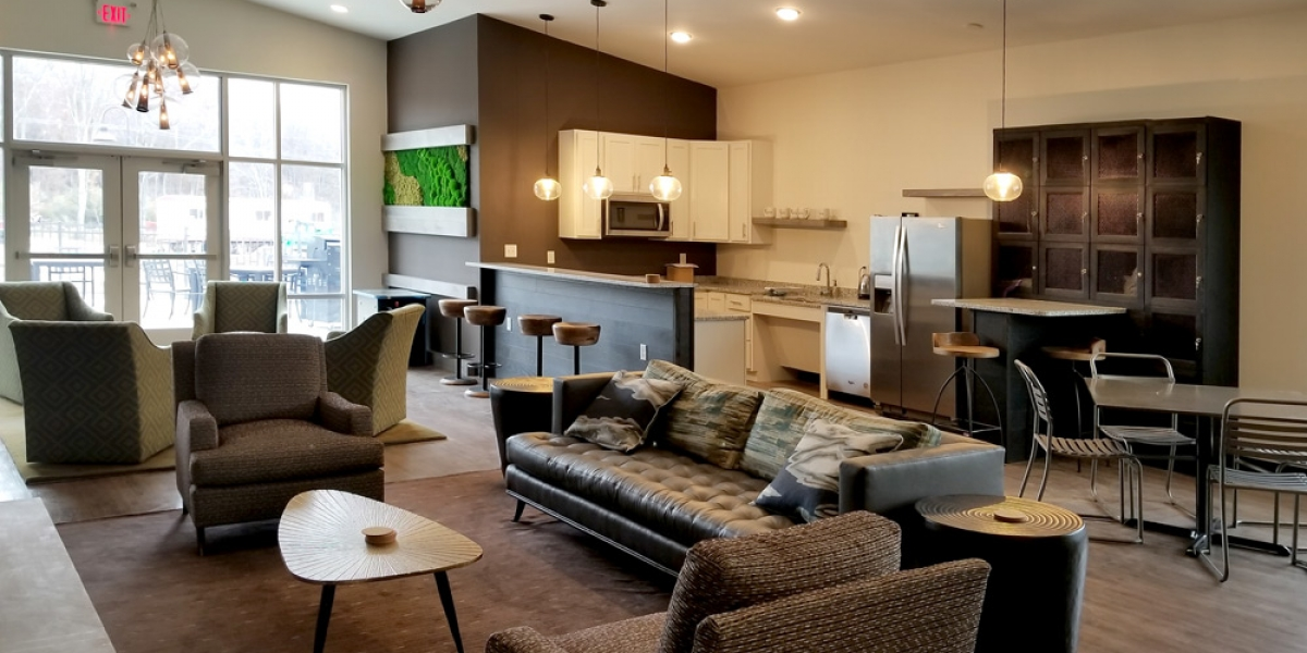 inside club room of open floorplan luxury apartments in pickerington ohio