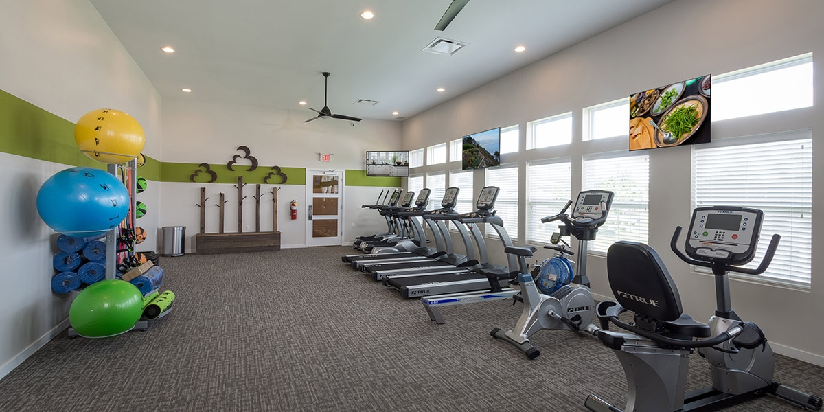 workout room in luxury apartments in delaware ohio